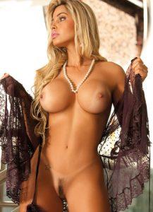 femme age nue coquine dans le 49