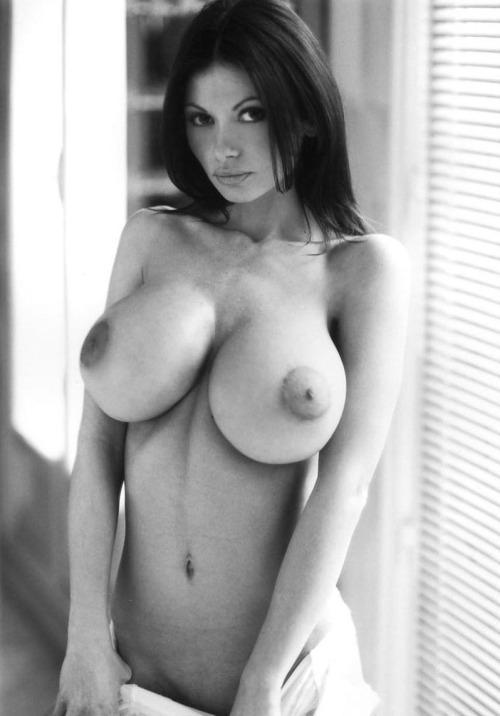 maman nue du 35 veut du sexe